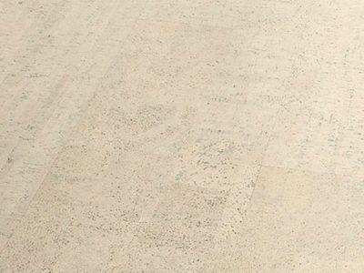 Le revêtement de sol en liège panneau un produit naturel respectueux de l'environnement provenant d'une ressource renouvelable, très résistant, antistatique